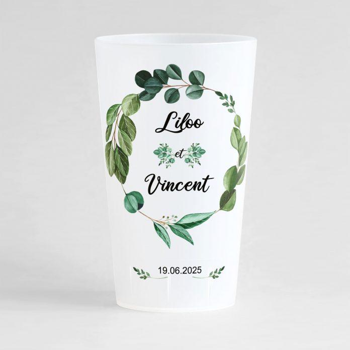 Un ecocup givré de face personnalisé avec un thème mariage et une couronne végétale.