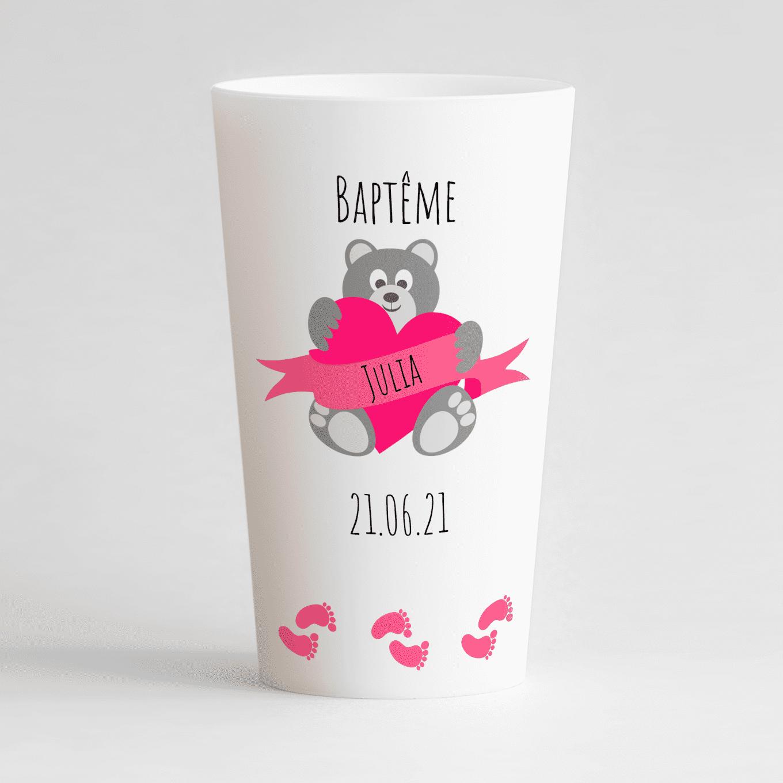 Un ecocup blanc de face avec des zones de texte et un ourson.