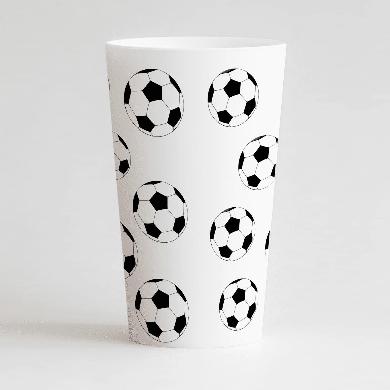 Un gobelet blanc de dos, avec un des ballons de foot