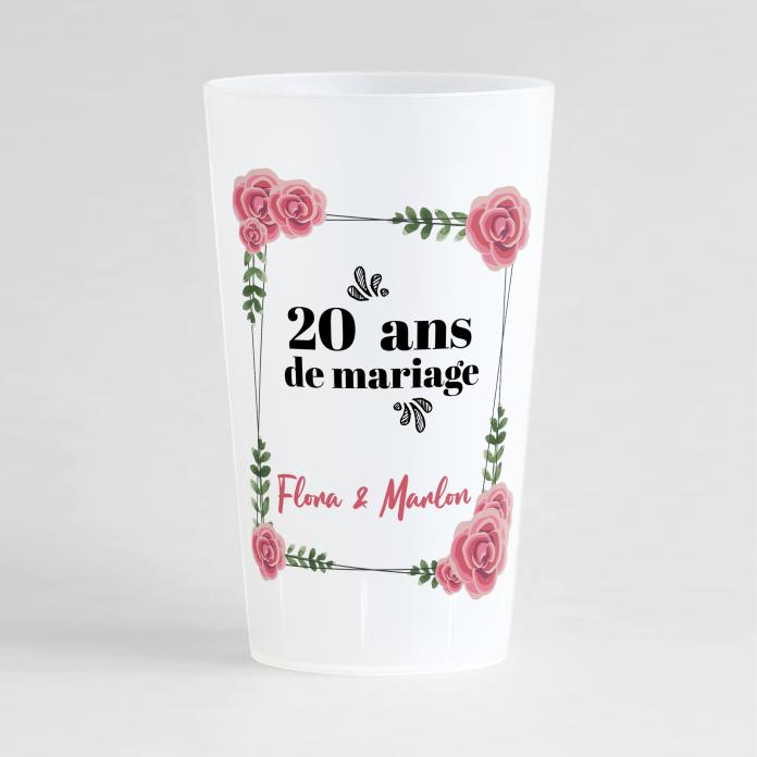Un ecocup givré de face personnalisé pour un anniversaire de mariage avec des zones de texte et un cadre
