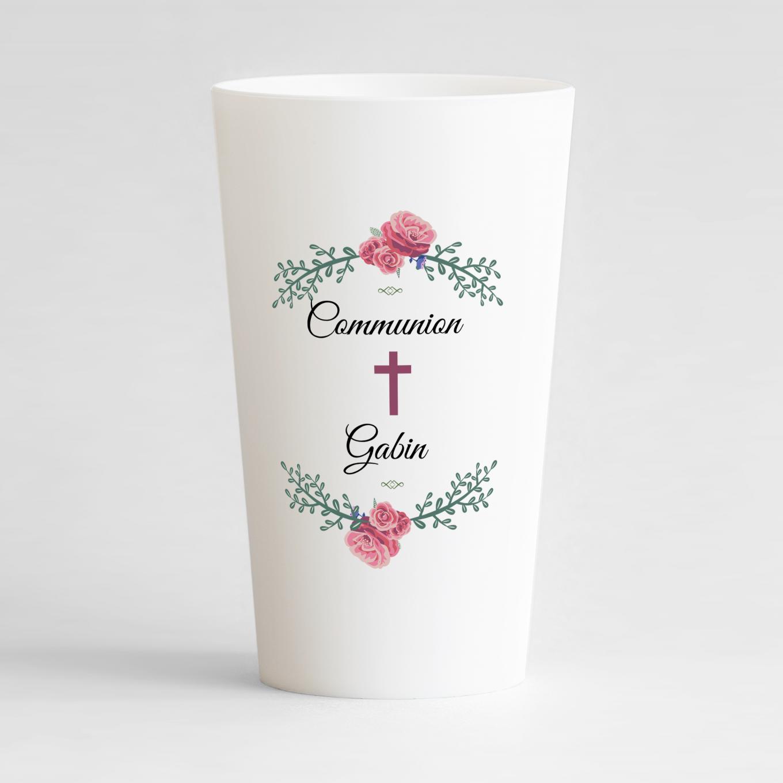 Un ecocup blanc de face pour une communion avec une couronne de fleurs et une croix