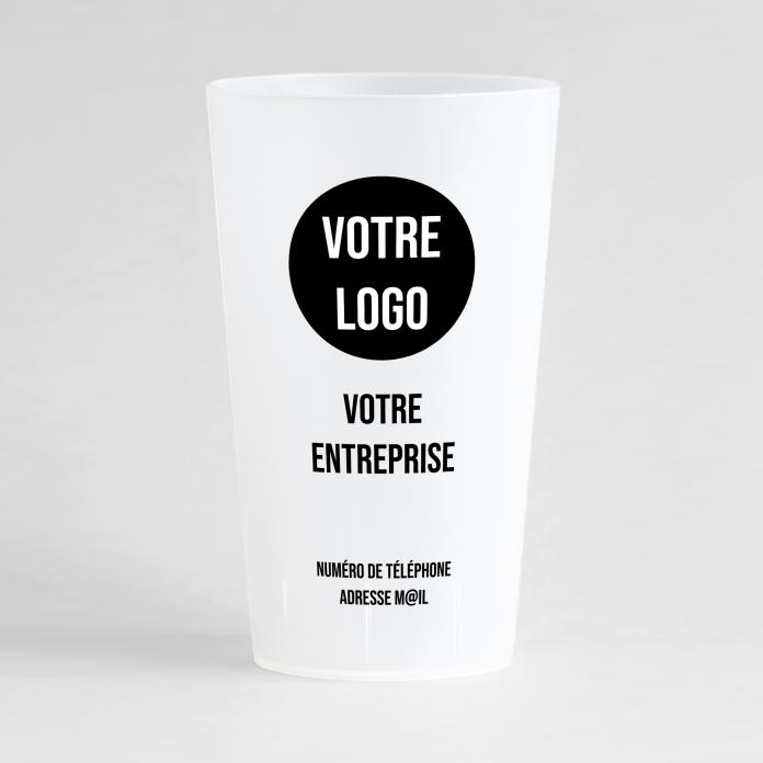 Un ecocup givré de face pour une entreprise, en mode carte de visite minimaliste.
