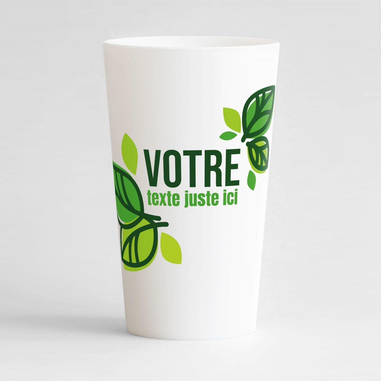 Un ecocup blanc de face avec de belles feuilles vertes autour d'une zone de texte à personnaliser.