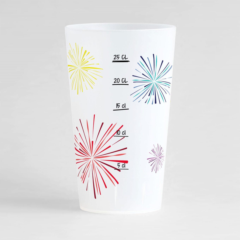 Un ecocup givré de dos avec des feux d'artifices colorés et une graduation, pour tous vos événements !