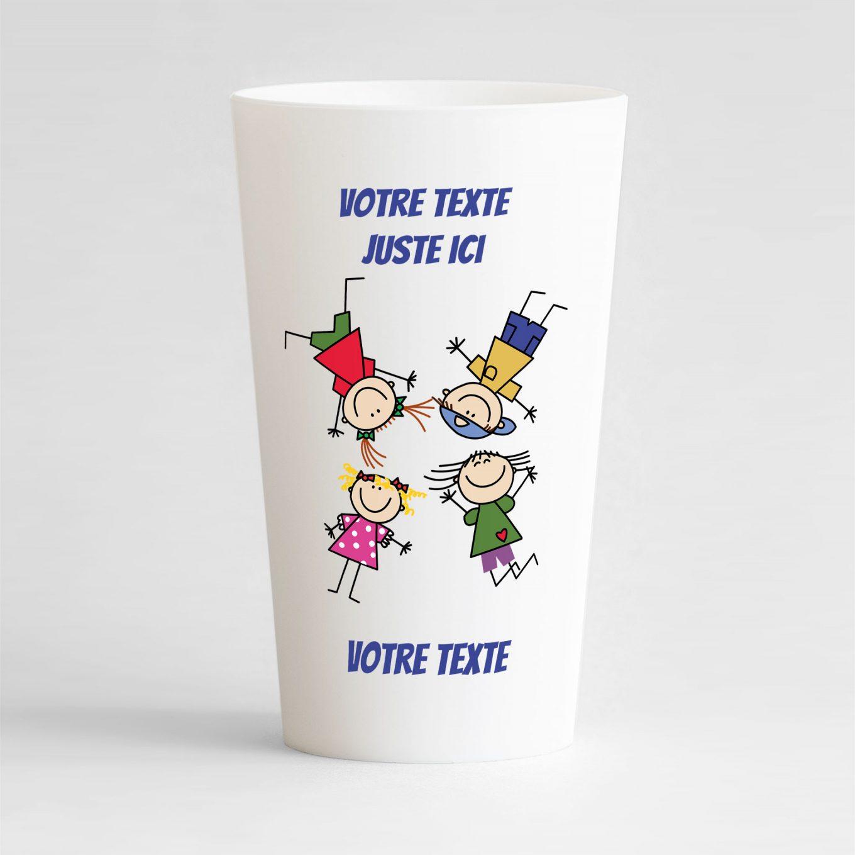 un ecocup blanc de face avec un style festif, avec des enfants et des zones de texte à personnaliser
