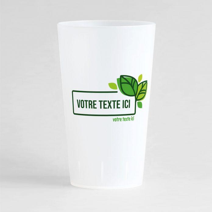 Un ecocup givré de face pour votre événement, avec un cadre orné de fuille à l'intérieur duquel vous pouvez écrire le texte de votre choix.