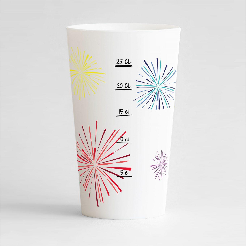 Un ecocup blanc de dos avec des feux d'artifices colorés et une graduation, pour tous vos événements !
