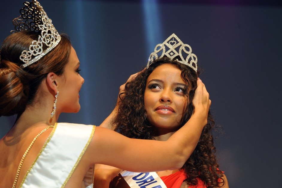 Flora-Coquerel-Miss-France01