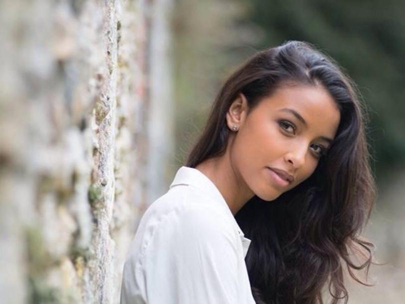 Miss-France-2014-Flora-Coquerel-en-octobre-2013-a-Chartres_exact810x609_l