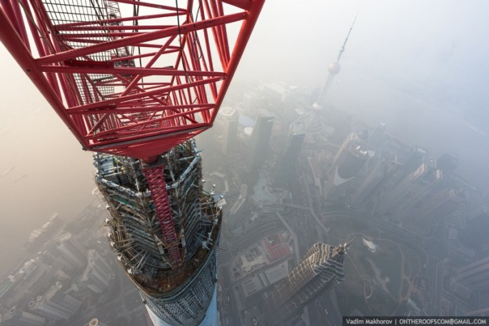 On-the-Roofs-Shanghai-Tower-04-685x457