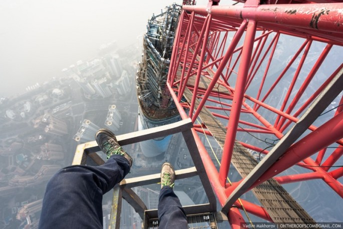On-the-Roofs-Shanghai-Tower-05-685x457