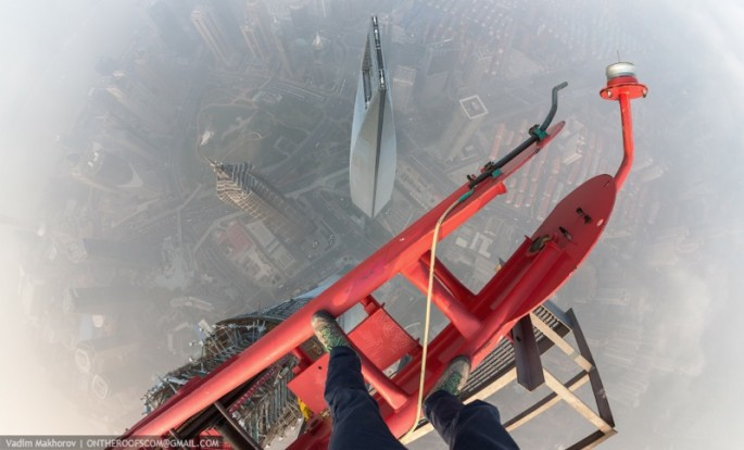 On-the-Roofs-Shanghai-Tower-08-685x414