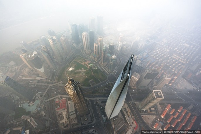 On-the-Roofs-Shanghai-Tower-11-685x457