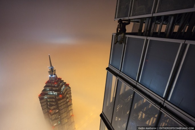 On-the-Roofs-Shanghai-Tower-16-685x457