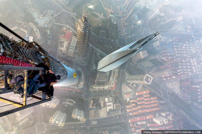 On-the-Roofs-Shanghai-Tower-20-685x457