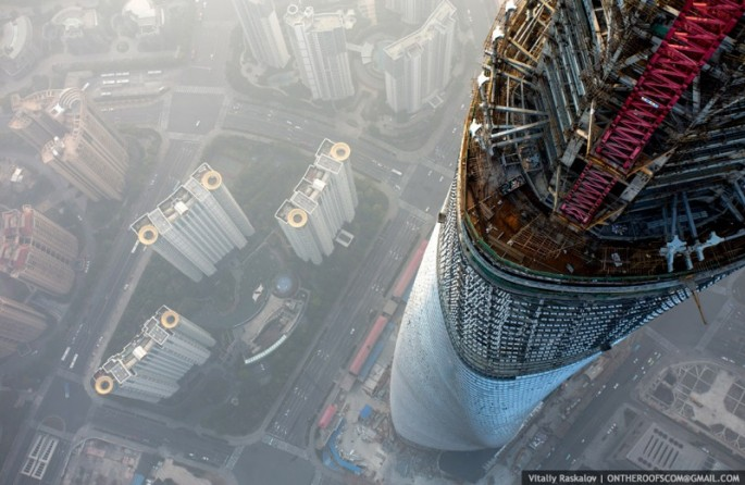 On-the-Roofs-Shanghai-Tower-21-685x446