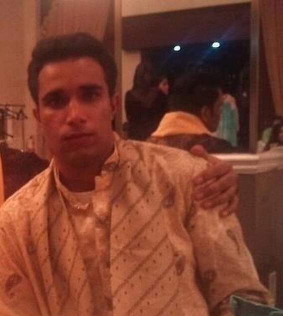 img-photo-le-sosie-indien-de-van-persie-1395391465_x610_articles-181842