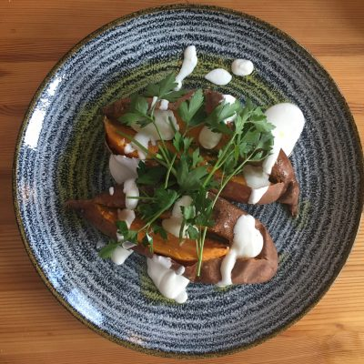 Wer hat Lust auf 😋 leckere Süßkartoffel 🍠 mit Labneh… ?#sweetpotato #foodie #foodporn #foodlovers