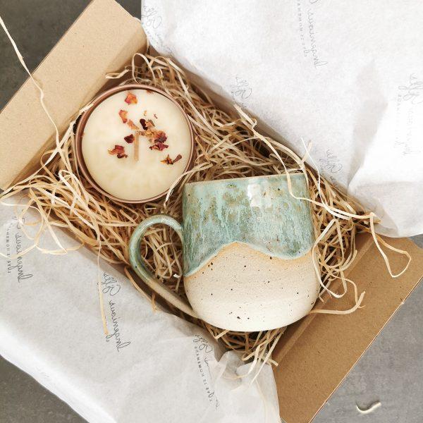 mini-box-of-smiles-mug-candle_