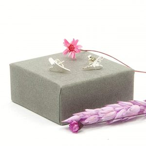 silver wavy hearts stud earrings