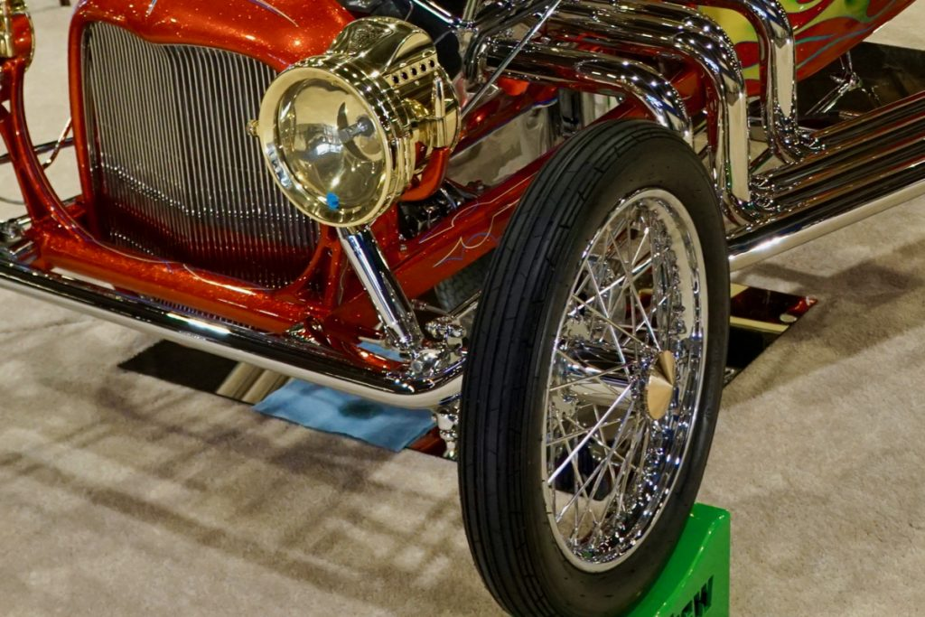 Leg Show T AMBR Contender GNRS 2020 America's Most Beautiful Roadster