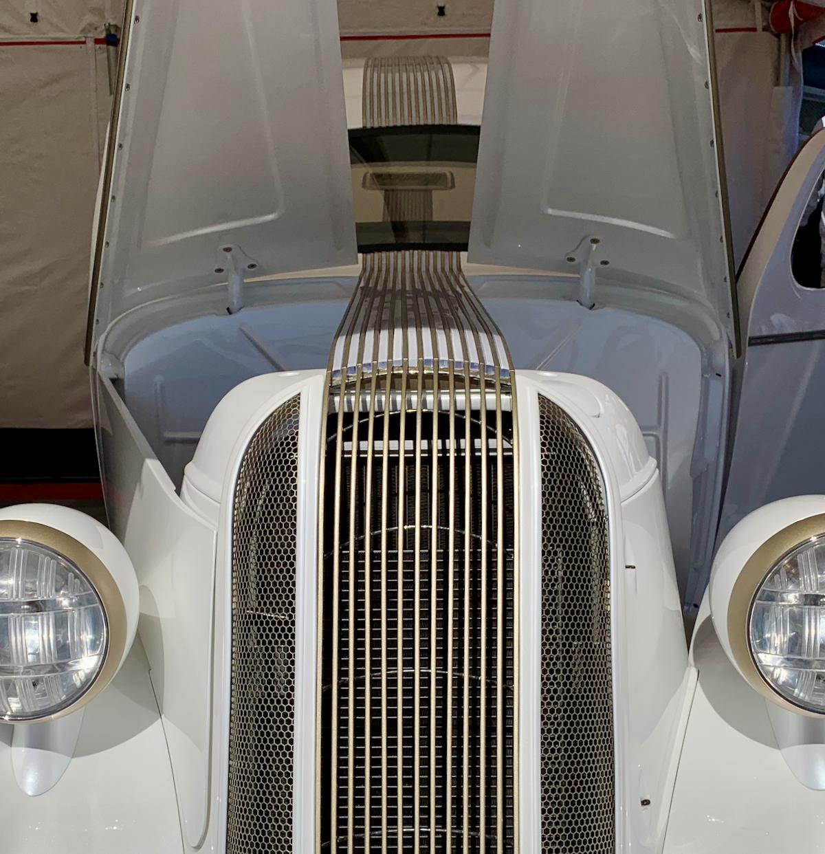 Pindian 1936 Pontiac Legens Hot Rods