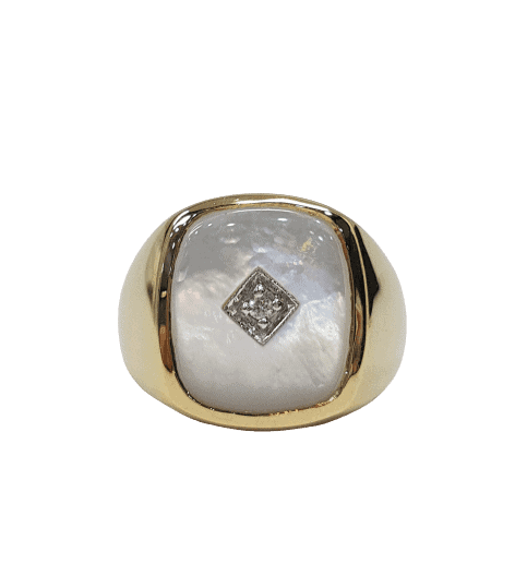 9ct yellow gold Mother of Pearl and Diamond Signet ring_0