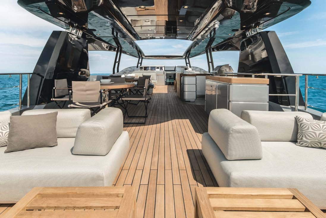 Monte Carlo Yachts MCY 105