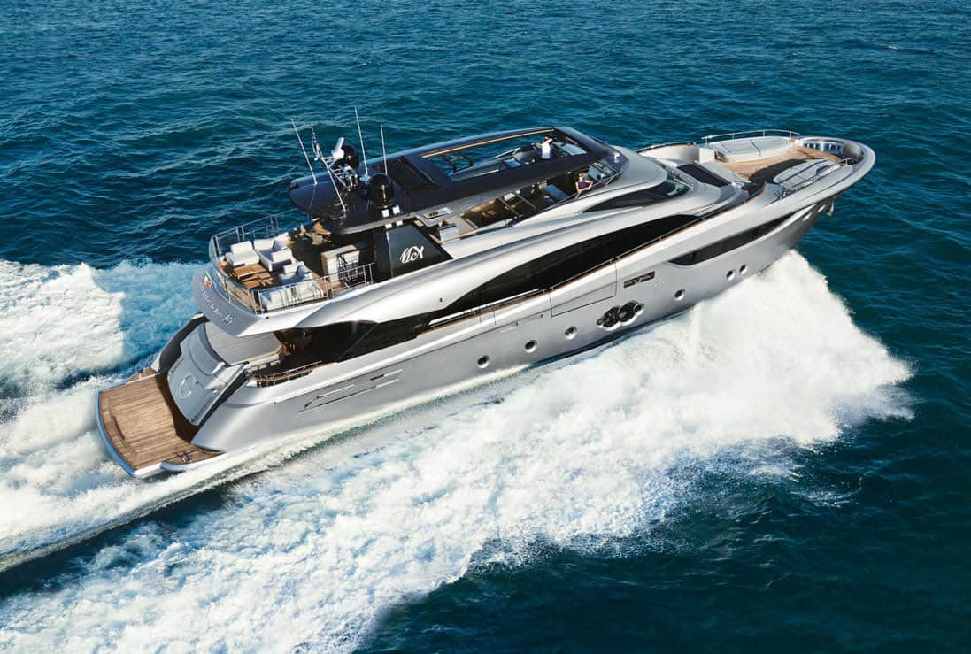 The Monte Carlo 105 can make a maximum speed of 27 knots