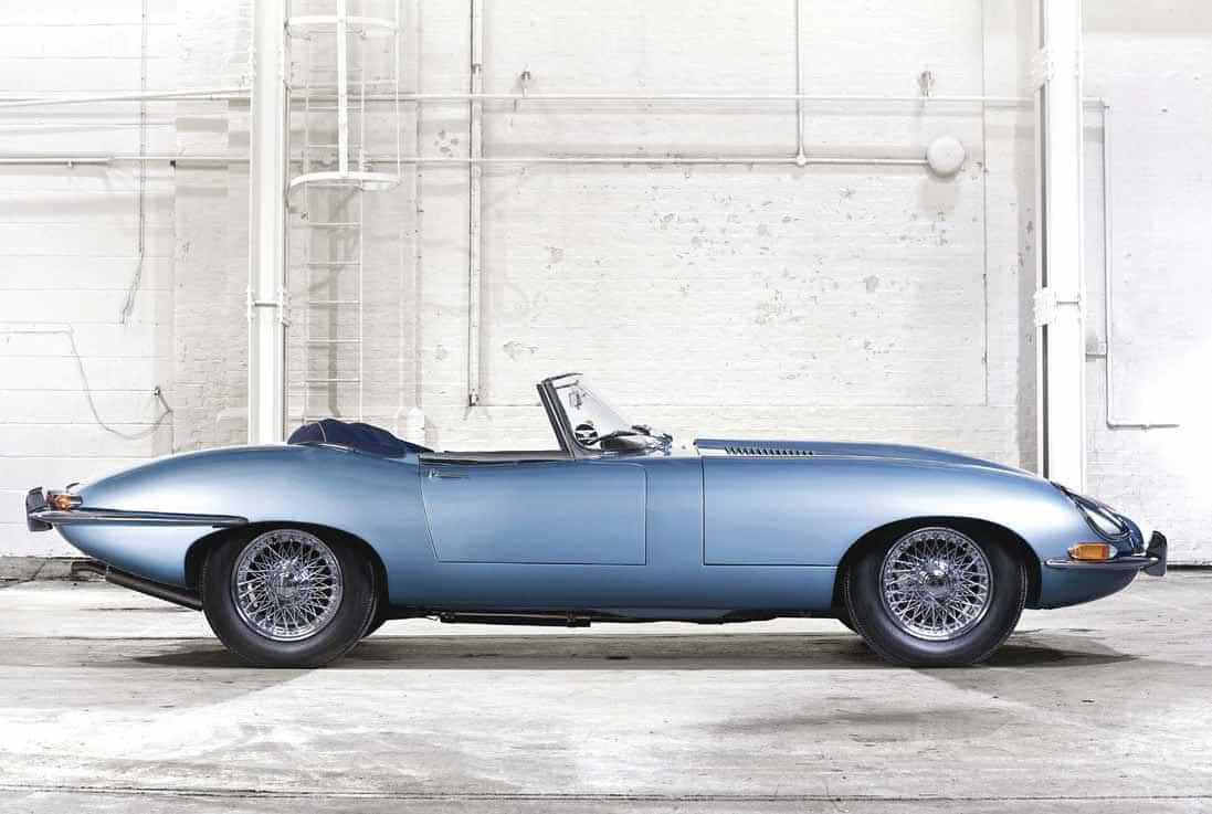 La Jaguar E-Type, lo storico modello che riassume il mito delle Casa inglese