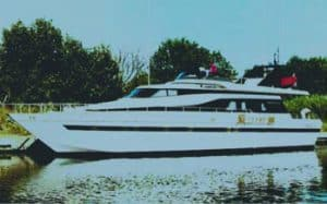 Akhir 42S: il nuovo yacht Cantieri di Pisa, tra storia e innovazione