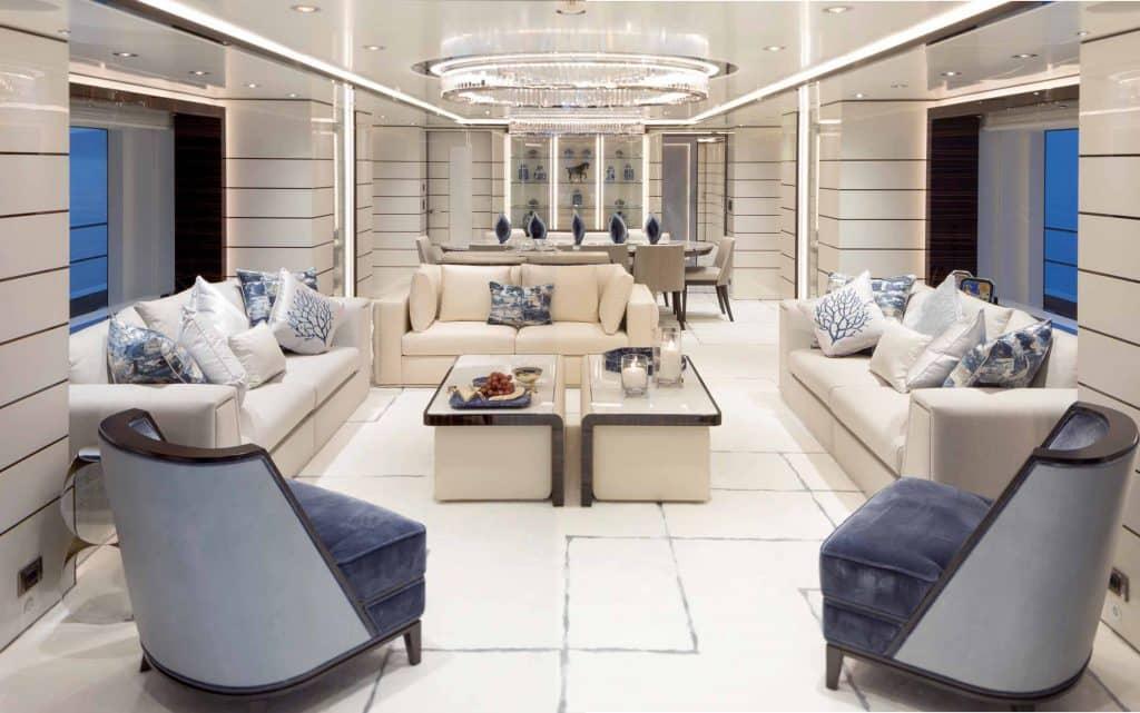 Razan, yacht 47 metri interni foto pensato per il divertimento di tutta la famiglia