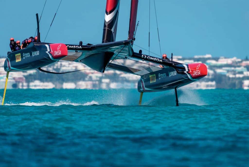 Le barche volanti: la 35a America's Cup si disputerà in volo... AC 50