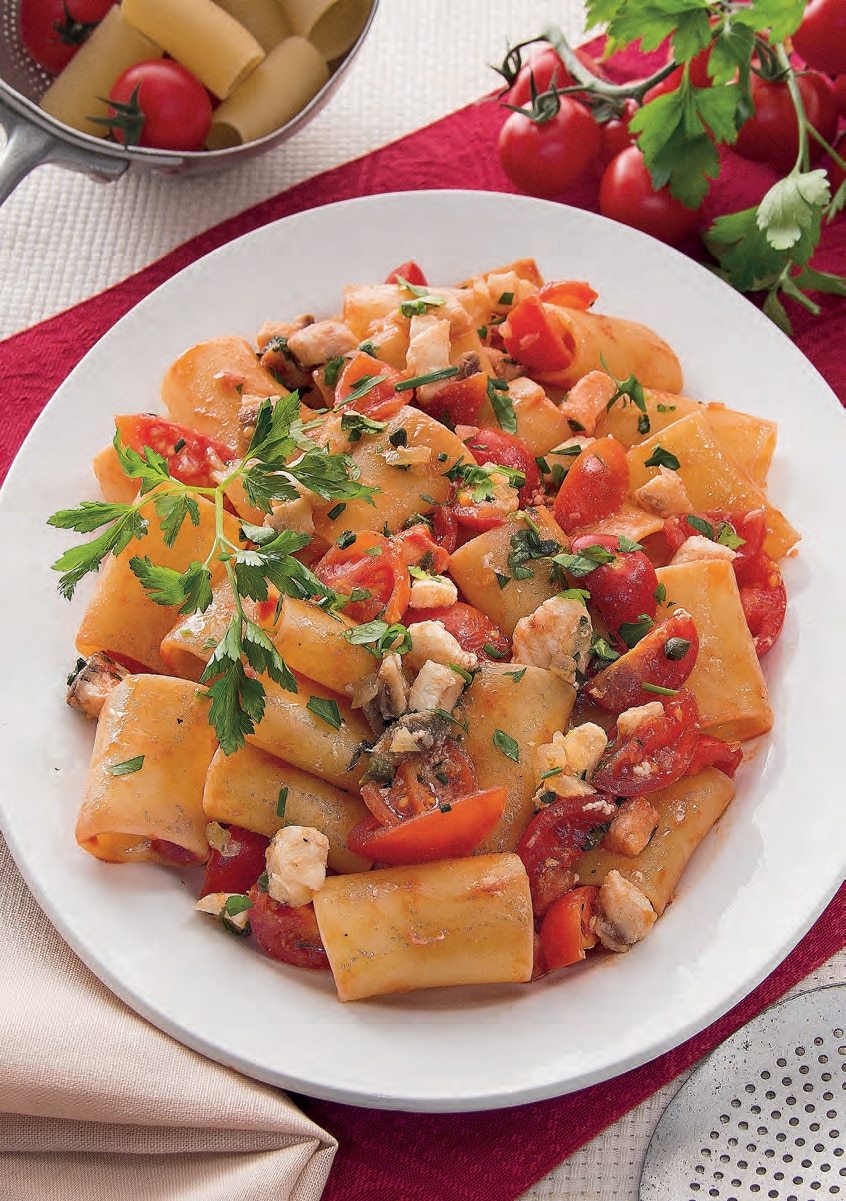 Paccheri con ragù di verdesca e pomodorini