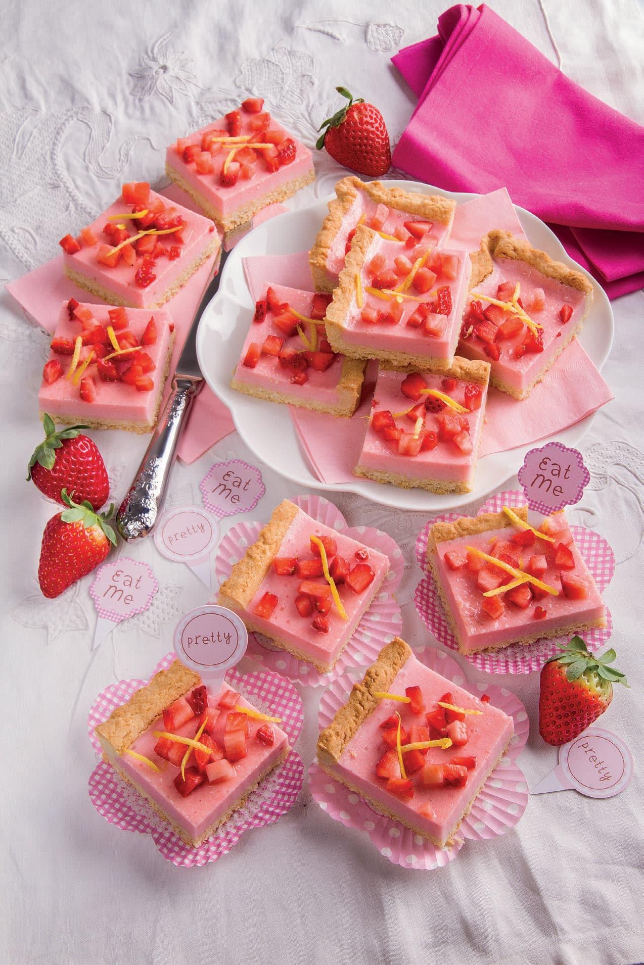 Crostata con crema al prosecco e fragole