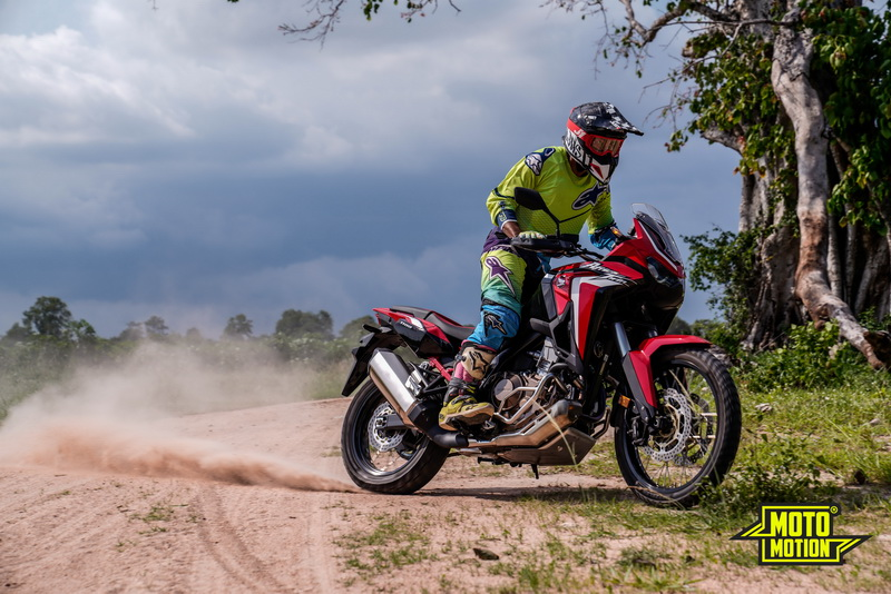 https://storage.googleapis.com/stateless-www-motomotionthaila/2020/05/6de0d400-africa-twin-164.jpg