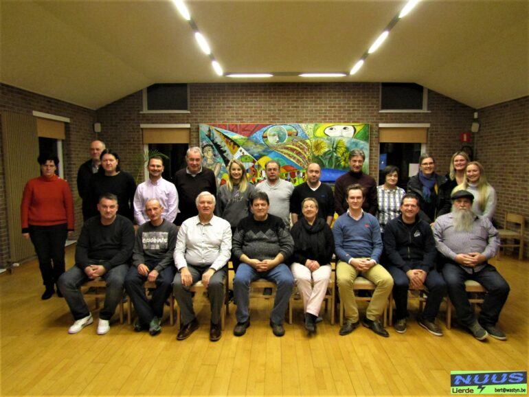 """Sportraad bijeen voor """"sportersbelevenmeer-award te Lierde"""