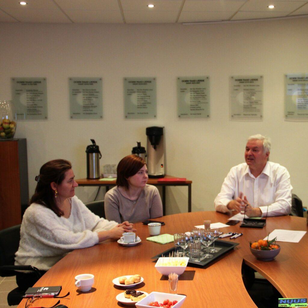 vergadertafel met OCMW Lierde en Hulp in Huis