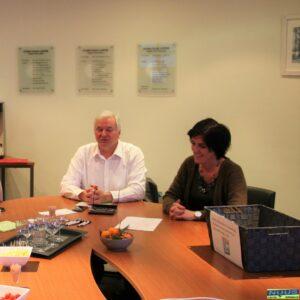 Schepen Van De Maele en maatschappelijk assistent OCMW Lierde