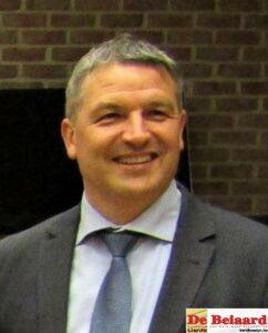 Burgemeester Soetens spreekt over RUP voetbal.
