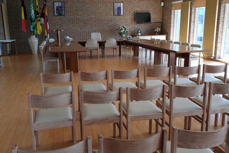 lege zaalvoor gemeenteraad en OCMW-raad te Lierde.