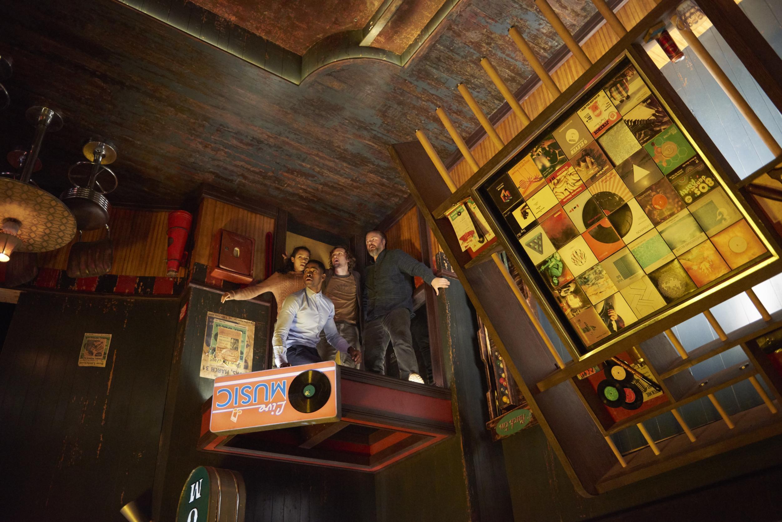 escape room 8 ball