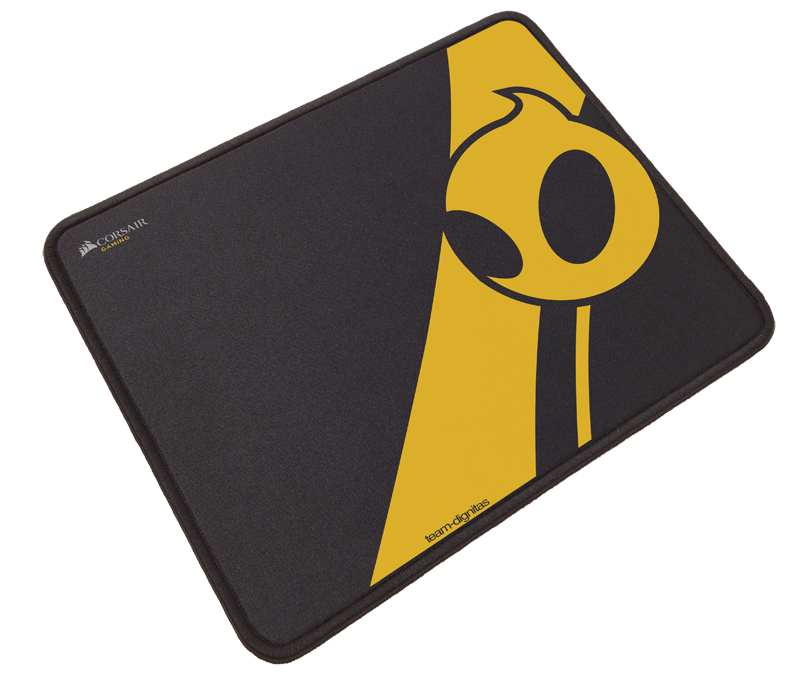 MM300 Dignitas 03 - Corsair: Team Dignitas Edition gaming mouse and mat