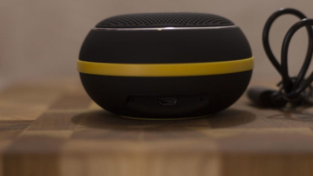 MG 0020genius 1024x576 - Genius SP-906BT Portable Speaker