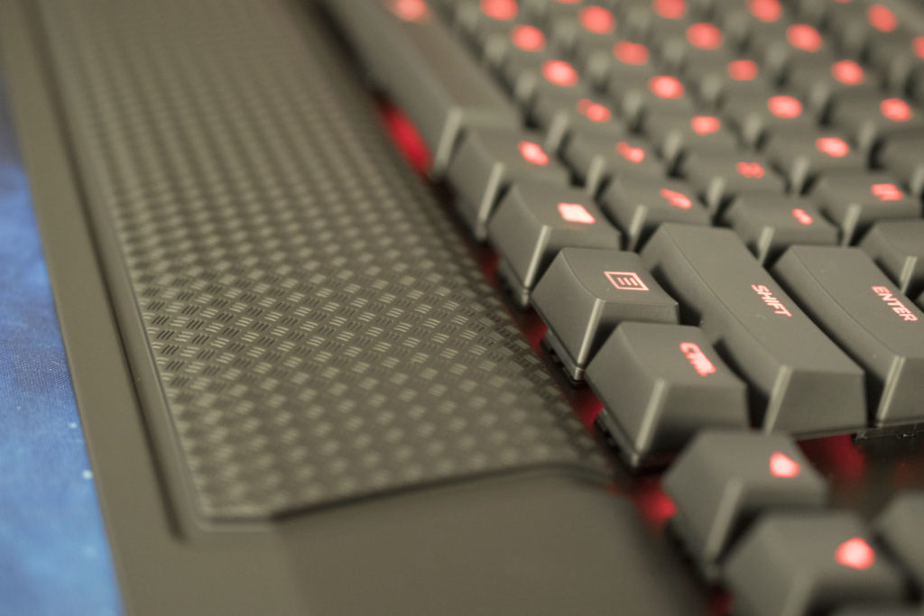10 1024x683 - HyperX ALLOY Elite