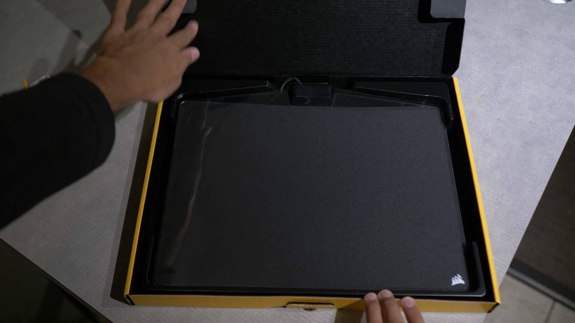 Unboxing Corsair 800C 2 unsmushed - Corsair MM800C Mousepad Review - RGB Overload?