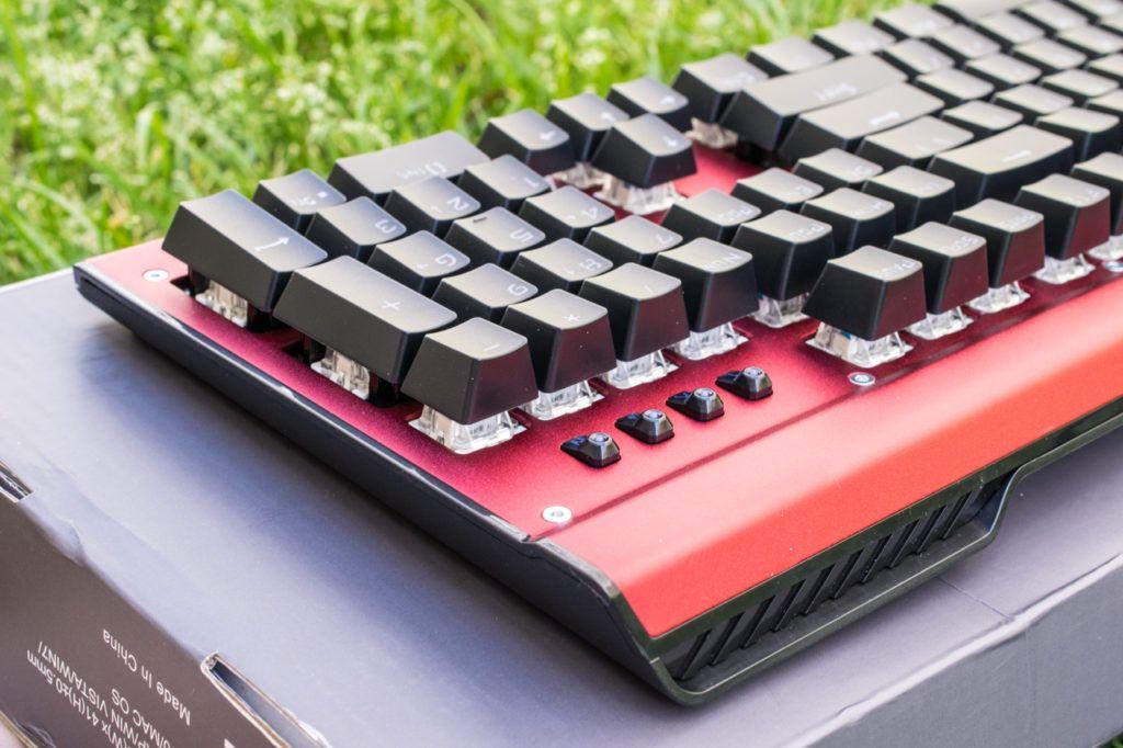 Look7 1024x682 - EasySMX Backlit Mechanical Keyboard Review