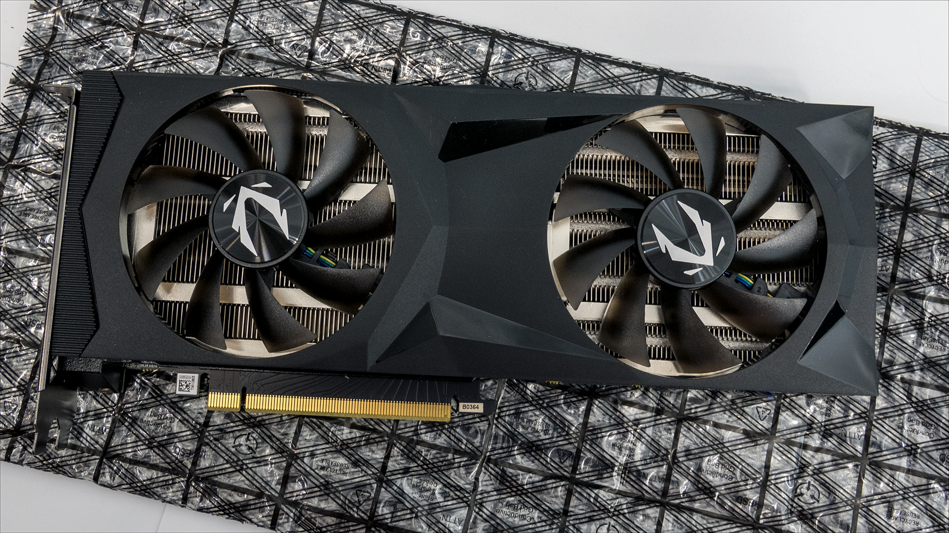 Zotac Gaming GeForce RTX 2070 AMP: Smaller design, but