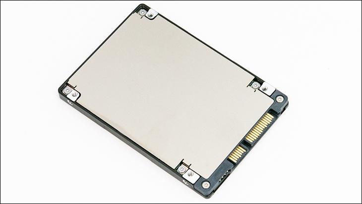 Seagate IronWolf 110 SSD bot - Seagate IronWolf 110 SSD Review