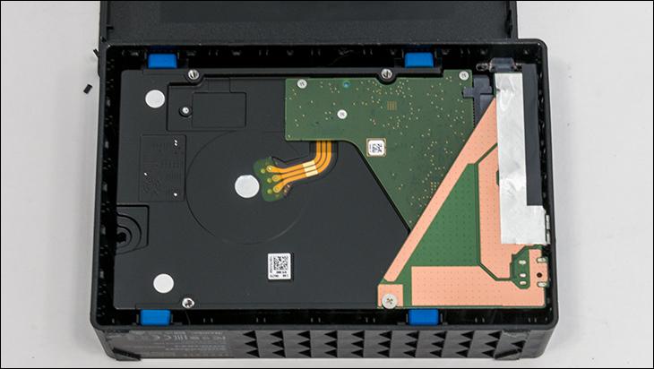 seagate desktop expansion 8TB open1 - Seagate Desktop Expansion 8TB Review
